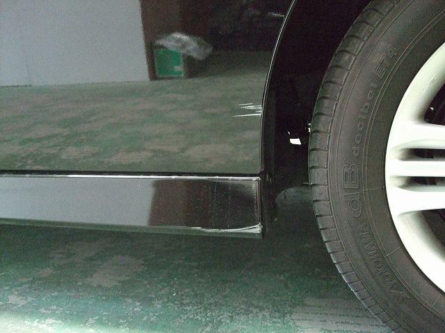 ホンダ  ステップワゴン スライドドア サイドシルガーニッシュ 板金塗装